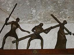 第五處 西滿被迫背十字架